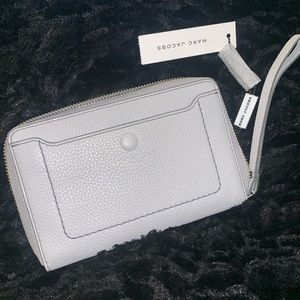 Marc Jacobs Light Grey Zip Phone Wristlet. NWT